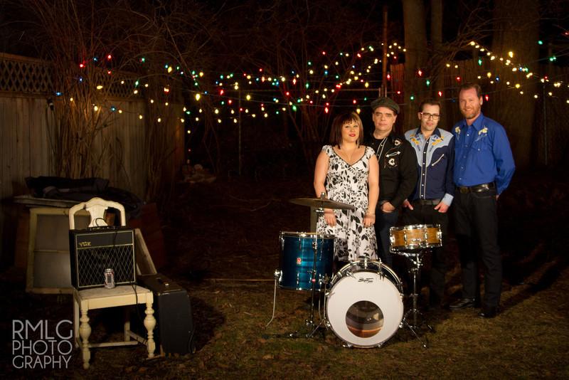 Nuevas o desconocidas bandas de Folk, Bluegrass, Country.. raices americanas. Samanthamartinthehaggard